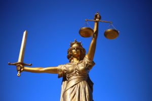 Lady Justice staty